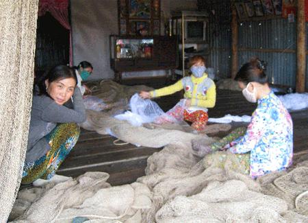 Nhà không cửa tiện lợi cho sinh hoạt và lao động của người dân Xóm Mũi.