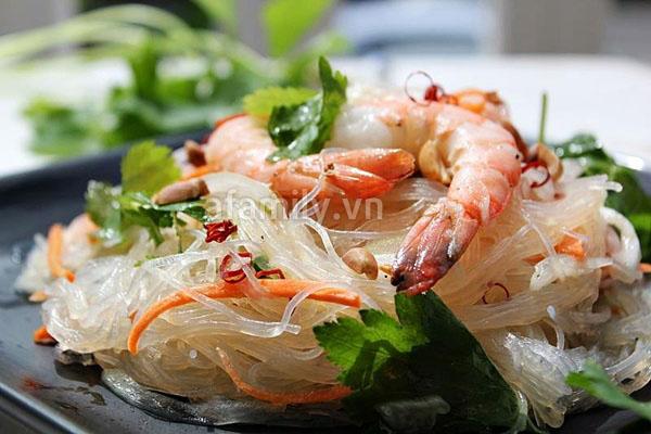 Món miến trộn tôm kiểu Thái