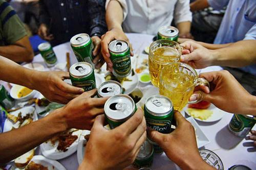 Ăn hải sản chớ có uống bia