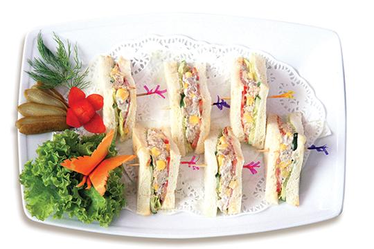 Sandwich cá ngừ